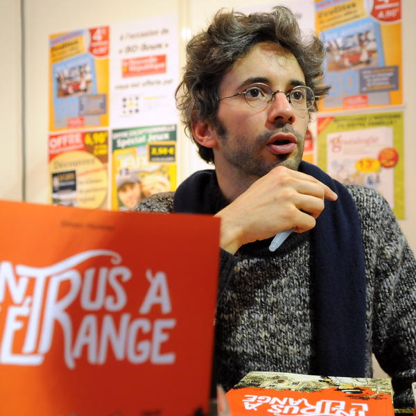 Simon Hureau saat launching komiknya.