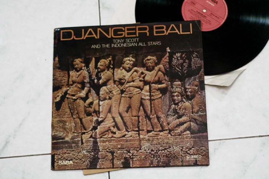 Art work piringan hitam Djanger Bali (sumber: dennysakrie63.wordpress.com)