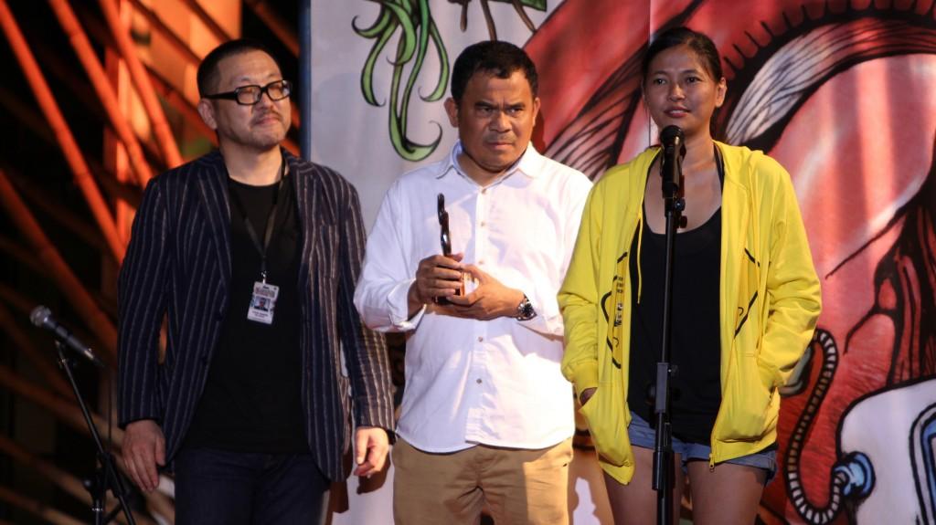 Djenar Maesa ayu memeberikan sambutan ketika menerima penghargaan NETPAC Awards (sumber: Doc 10th JAFF)