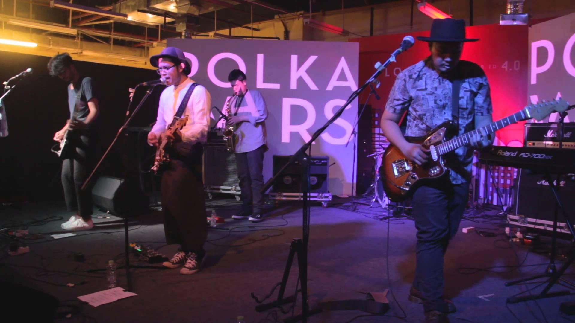 Konser salah satu band indie, Polka Wars   Sumber: Kinescope Magz