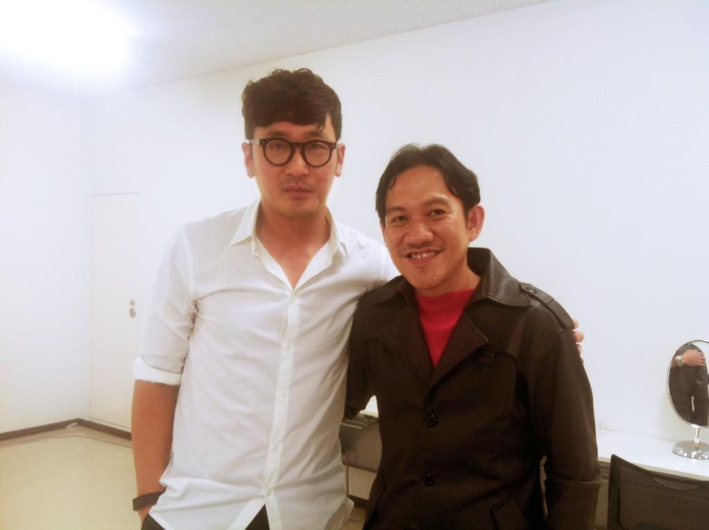 Ha Jung-Woo foto bersama dengan Kontributor Kinescopemagz.com, Daniel Irawan ayng meliput langsung ke 8th Okinawa International Movie Festival OIMF) 2016 di Okinawa, Jepang.