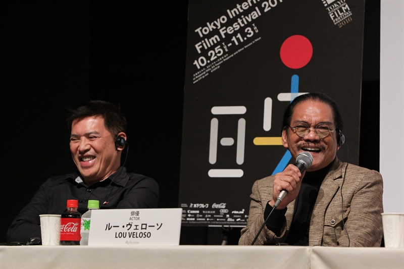 Brillante Ma Mendoza (kiri), sutradara asal Filipina.