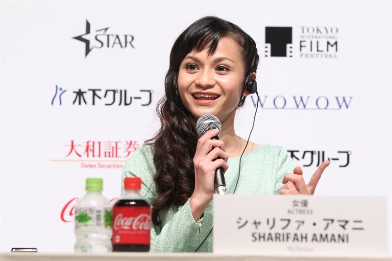 Sharifah Amani, aktris Malaysia yang ikut bermain di film 'Pigeon'.