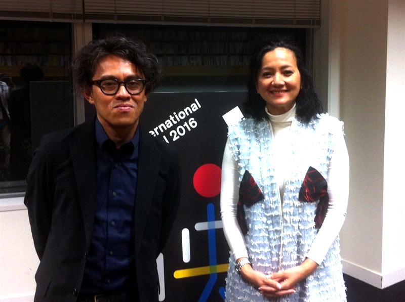Riri Riza (Sutradara film Athirah) dan Cut Mini (Pemeran Athirah) saat menghadiri Tokyo International Film Festival ke-29 yang lalu.