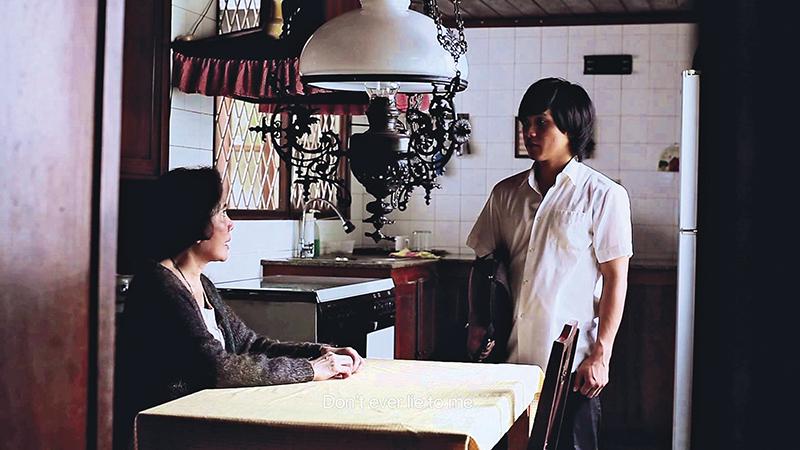 Adegan film About Woman yang bercerita tentang seorang perempuan tengah aya yang penyendiri.